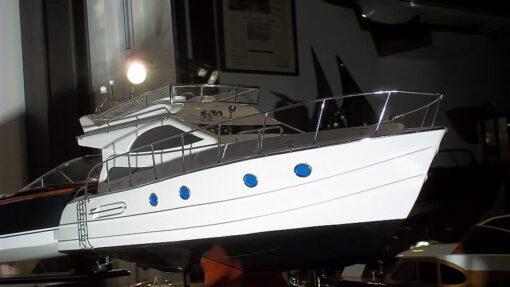 modellino yacht in scala