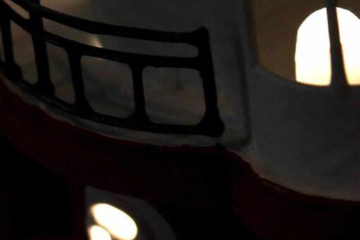 lampada a forma di faro marino