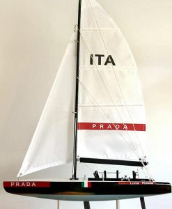 luna-rossa-ship-model