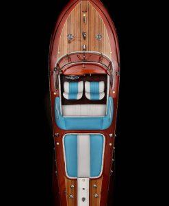 modellino di motoscafo in legno