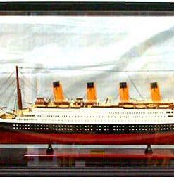 vetrina per una grande nave da crociera